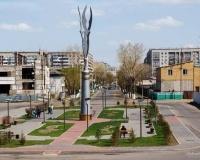 Парк перед речным портом в Павлодаре