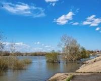 Разлив Иртыша. Павлодарская набережная около речного порта