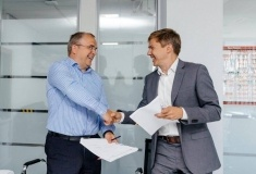 Beeline и Kcell подписали соглашение о совместном строительстве 4G/LTE сети в Казахстане