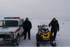 Спасатели ДЧС Павлодарской области патрулируют дороги на снегоходах