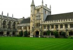 Выпускник Оксфорда потребовал 1,2 миллиона долларов за неудачную карьеру
