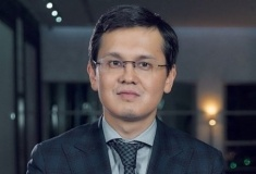 Багдат Мусин предложил регистрировать иностранцев в ЦОНах