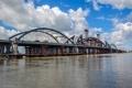 Установка центрального арочного пролета моста через Иртыш завершилась успешно