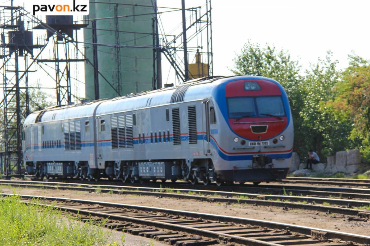 В Павлодаре мужчина погиб под колесами грузового поезда
