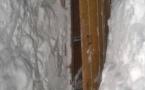 Сельчане оказались в снежной пещере в Павлодарской области