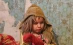 Двое маленьких детей несколько суток провели одни в квартире в Уральске