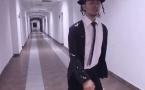 Майкл Джексон прошел лунной походкой по коридорам павлодарского ВУЗа