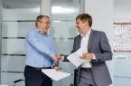 Beeline и Kcell подписали соглашение о совместном…