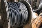 Мужчина продал украденный кабель, чтобы купить себ…