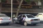 Уволен полицейский, справивший нужду из салона маш…