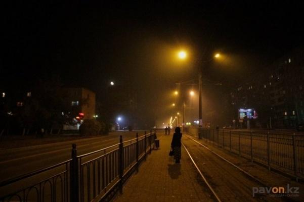 За сутки гололед стал причиной нескольких аварий в Павлодаре, одна из которых блокировала движение трамваев