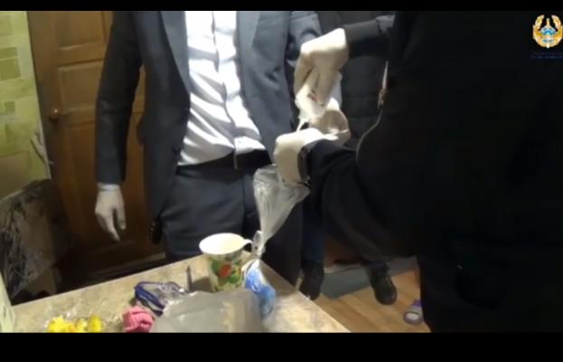Павлодарку подозревают в сбыте тяжелых наркотиков