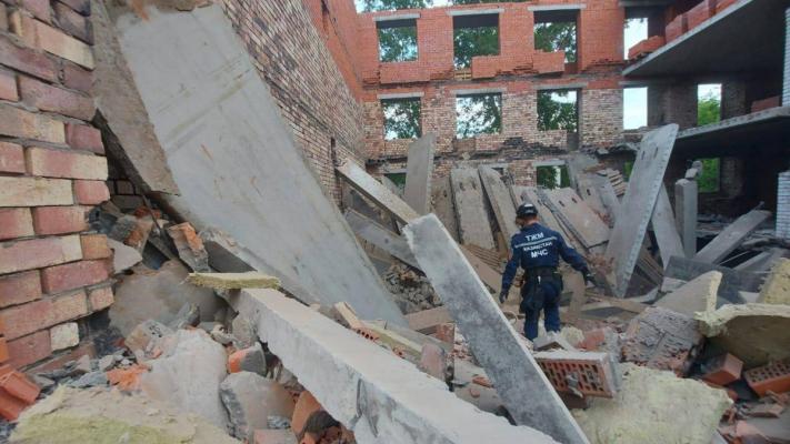 В Павлодаре будут добиваться полного сноса строящейся многоэтажки, которая вчера частично обрушилась