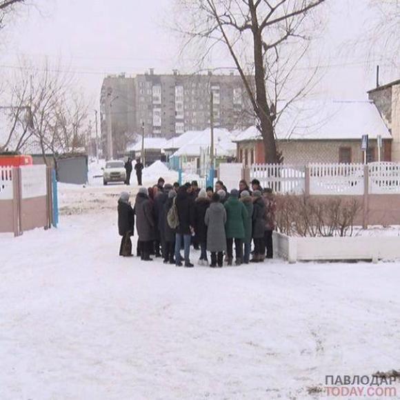 Продолжают оставаться без света, воды и тепла три раза в неделю жители трех улиц на Втором Павлодаре