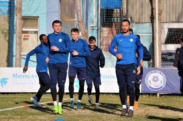 Павлодарский футбольный клуб готовится к решающей битве года
