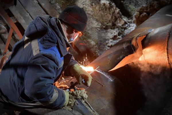 Тепловики пообещали, что отопление и горячая вода вернутся в дома южного сетевого района Павлодара к вечеру субботы