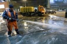В Павлодаре снова начали мыть улицы