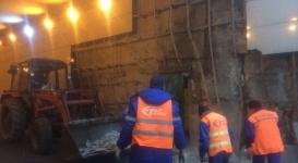 Пассажирский автобус врезался в стену тоннеля в Астане
