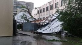 Из-за шквального ветра почти 50 тысяч жителей Семея остались без электричества