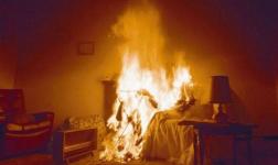 В Павлодаре курение в постели стало причиной пожара и госпитализации хозяйки квартиры