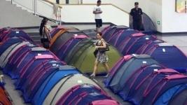 """В вузах Китая установили """"палатки любви"""" (фото, видео)"""