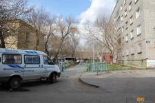 В Павлодаре житель карантинного дома попал в реанимацию