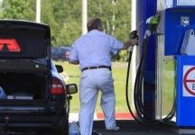 Казахстанцы жалуются на качество бензина на АЗС