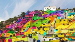 Туристов в Баянаул хотят привлечь разноцветными домами