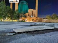 Подрядчик восстановит плитку в парке около мечети имени Машхур Жусупа в Павлодаре