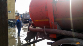 Более десяти тысяч кубов талой воды было откачано с улиц и дворов Павлодара
