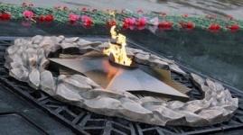 Вандалы измазали сажей обелиск Славы в Экибастузе