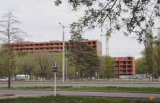 Незаконно работающие строители-иностранцы пытались убежать от полиции в Павлодаре