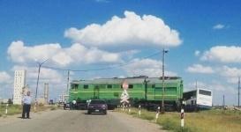 В Жезказгане тепловоз столкнулся с автобусом
