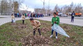 На территории парка Гагарина стало чище