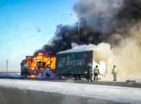 В Павлодаре на загородной трассе загорелся большегруз