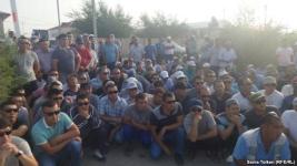 Чтобы сменить профсоюзного лидера, нефтяники Жанаозена бастуют