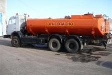 Груженый бензовоз опрокинулся натрассе вЖамбылской области