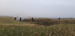 В сельской зоне Экибастуза загорелась степь