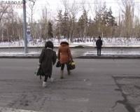 Павлодарские коммунальщики «забыли» установить знак пешеходного перехода по улице Ломова