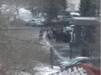 """Многолюдные очереди выстроились к зданию """"Единого расчетного центра"""" в Павлодаре"""