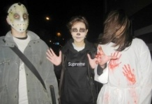 Зомби устроили …митинг,