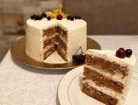 Вкусно и не грустно: павлодарка научилась печь полезные десерты и готовится принимать заказы