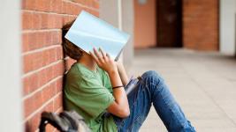 Подростку из Аксу некогда учиться: надо работать или присматривать за племянником