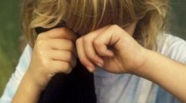 14-летнюю школьницу изнасиловали четверо мужчин