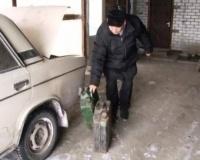 Бензин - это не спиртное, чтобы его в определенные часы отпускать!
