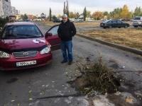 В Павлодаре водитель едва не лишился жизни из-за ямы на проезжей части