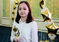 Лучших школьников Павлодара наградили ноутбуками