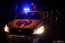 На трассе внедорожник столкнулся с полицейской машиной