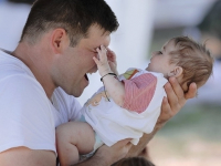 Развивать институт отцовства в Казахстане поручил Президент