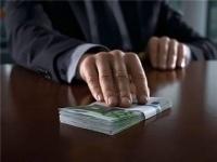 Налоговый инспектор требовал деньги за ликвидацию ИП